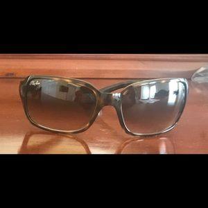 Never Been Worn Ray-Van Sunglasses